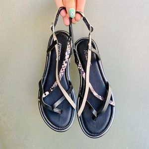 NWT sandals size US 8/8.5
